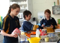 Students cook for drought relief appeal